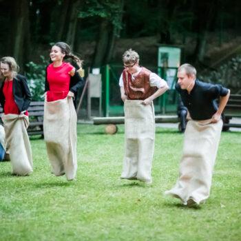 Sackhüpfen Hochzeit Vermietung Freiburg Jutesack Mittealter mittelalterlich traditionelle Spiele